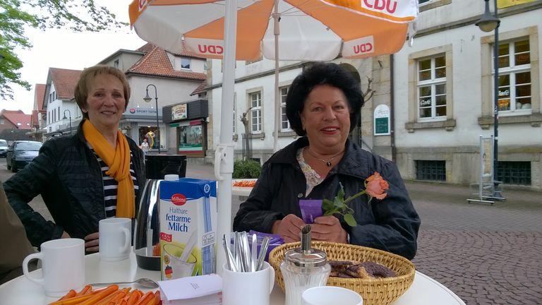 v.l. Stadtverbandsvorsitzende Marianne Kamperth, Gisela Lenzen